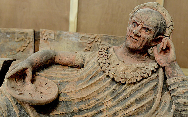 looted  u0026 39 priceless u0026 39  ancient treasures from pompeii found in