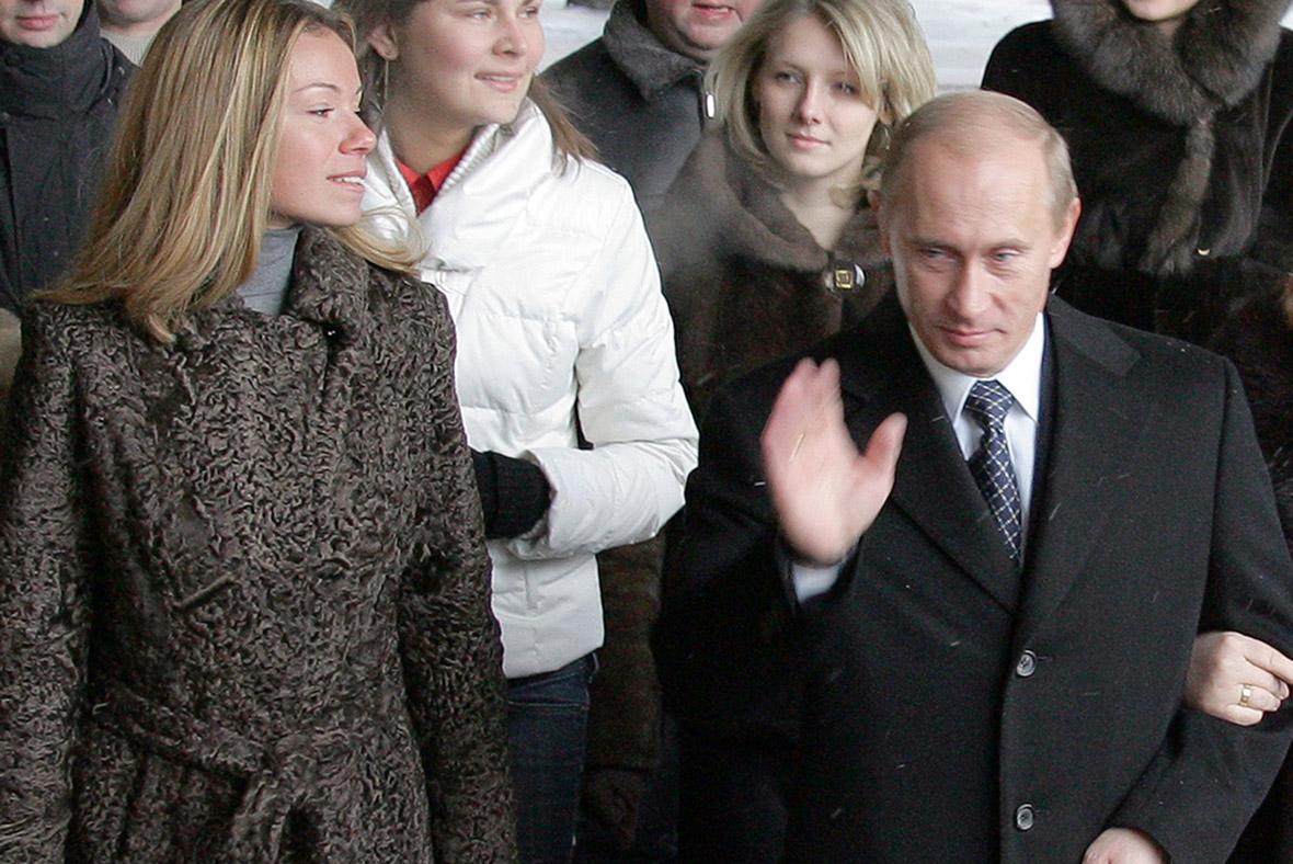 Vladimir putin daughter fall in camshow youcamhubcom - 3 10