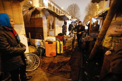 Roma camp Paris