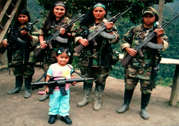 FARC female fighters