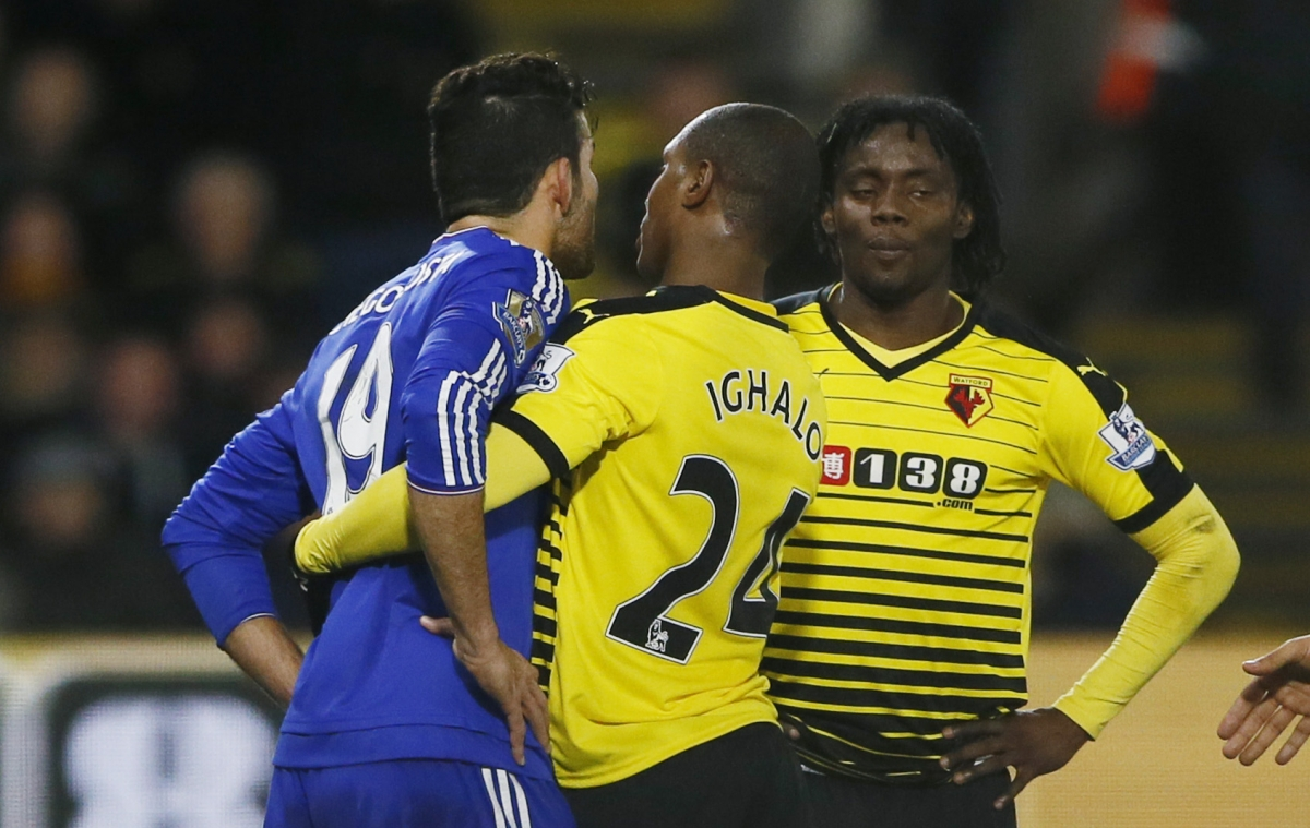 Diego Costa clashes with Juan Carlos Paredes