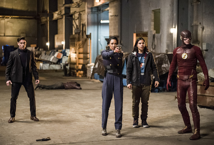 Flash season 2 episode 13