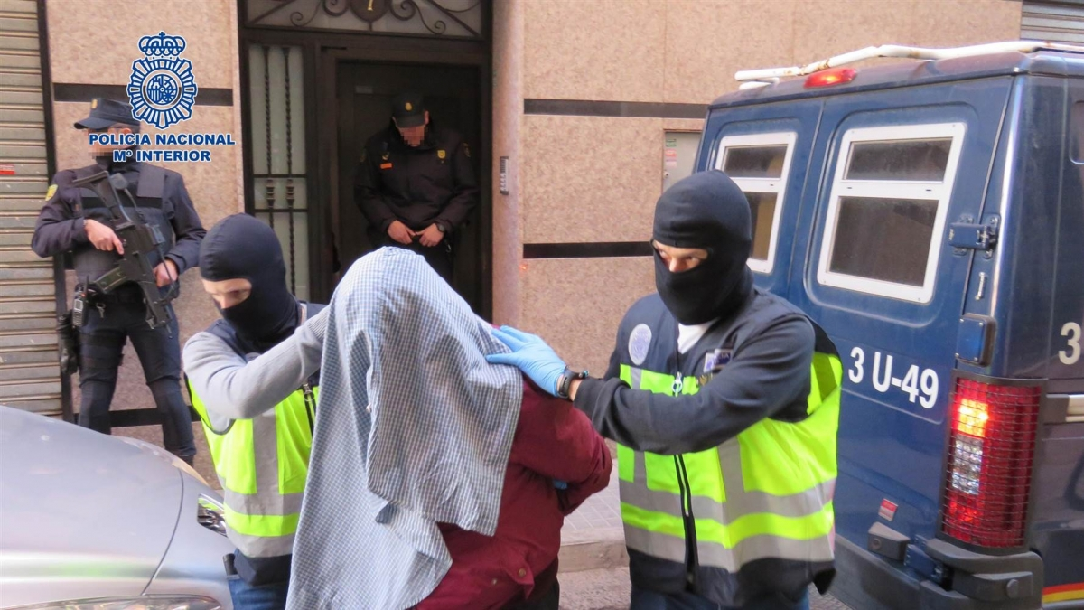 7 alleged isis members arrested in Spain