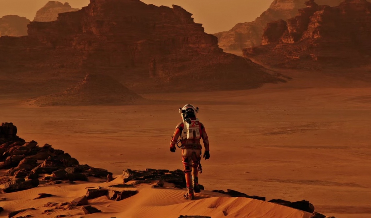 Matt Damon walks on Mars in Gravity