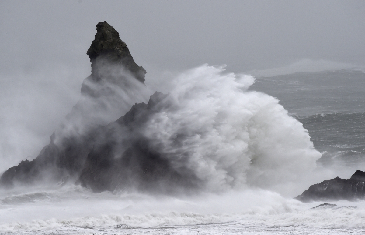 Storm causes high waves in sea