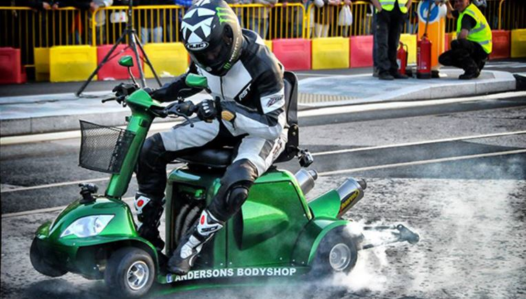 World 39 S Fastest Mobility Scooter Hits 100mph In New Speed