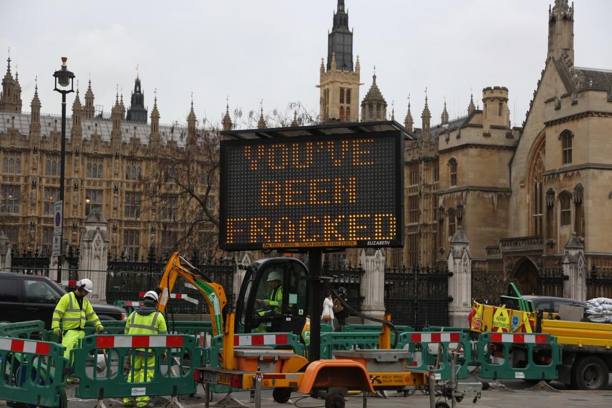Greenpeace frack Parliament