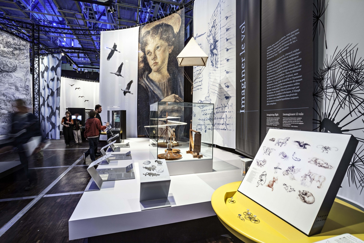 Leonardo D Exhibition : Watch leonardo da vinci s mechanical inventions come to