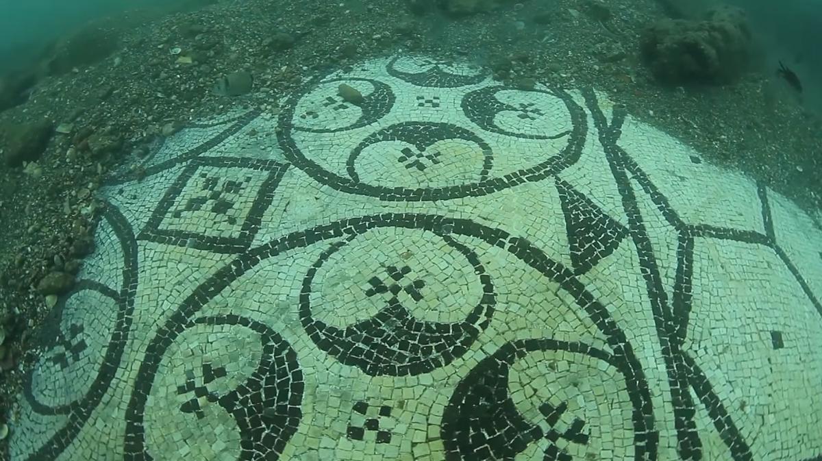 Underwater Baia