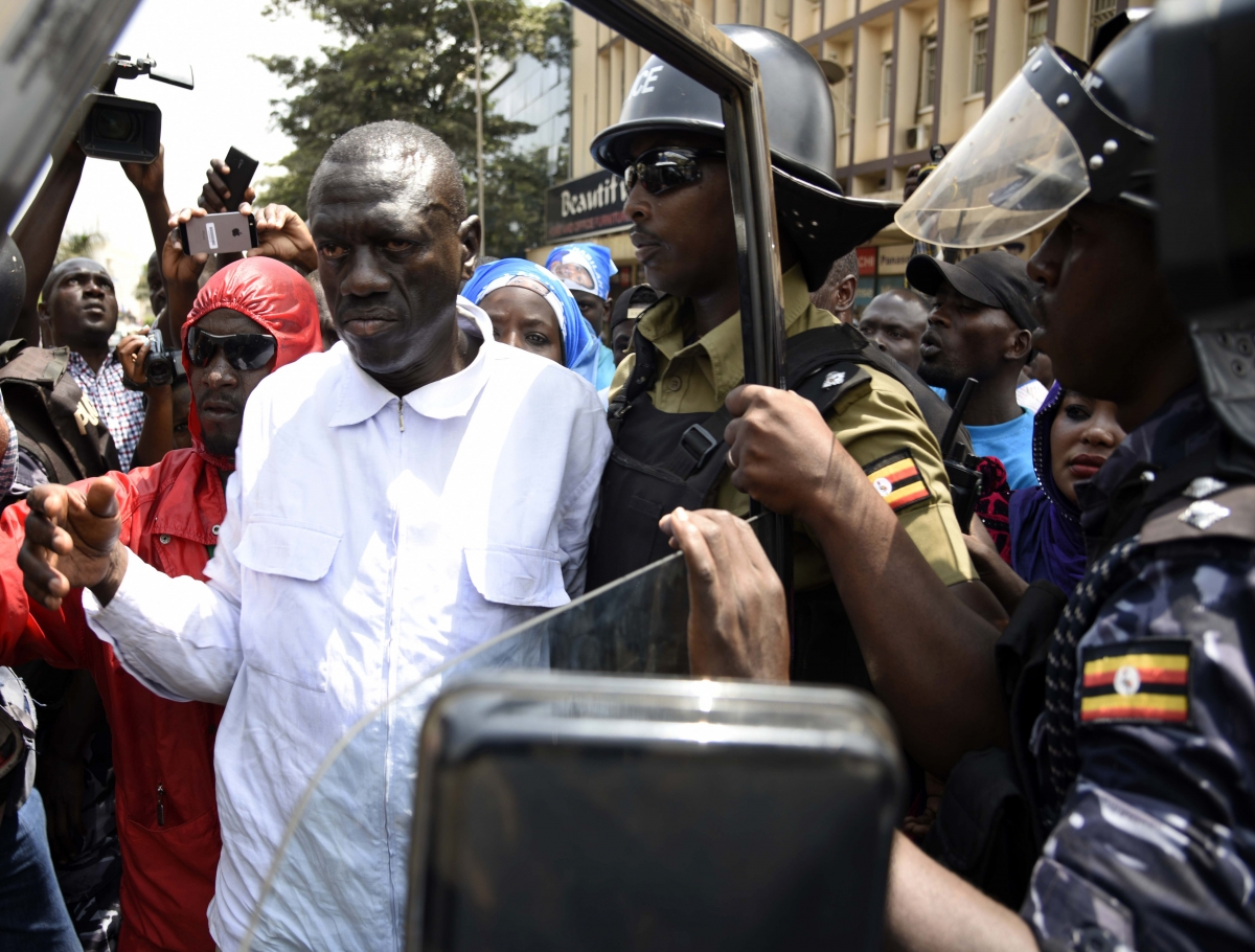 Kizza Besigye arrested