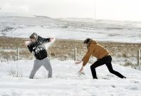 Youths in Belfast have snowball fight