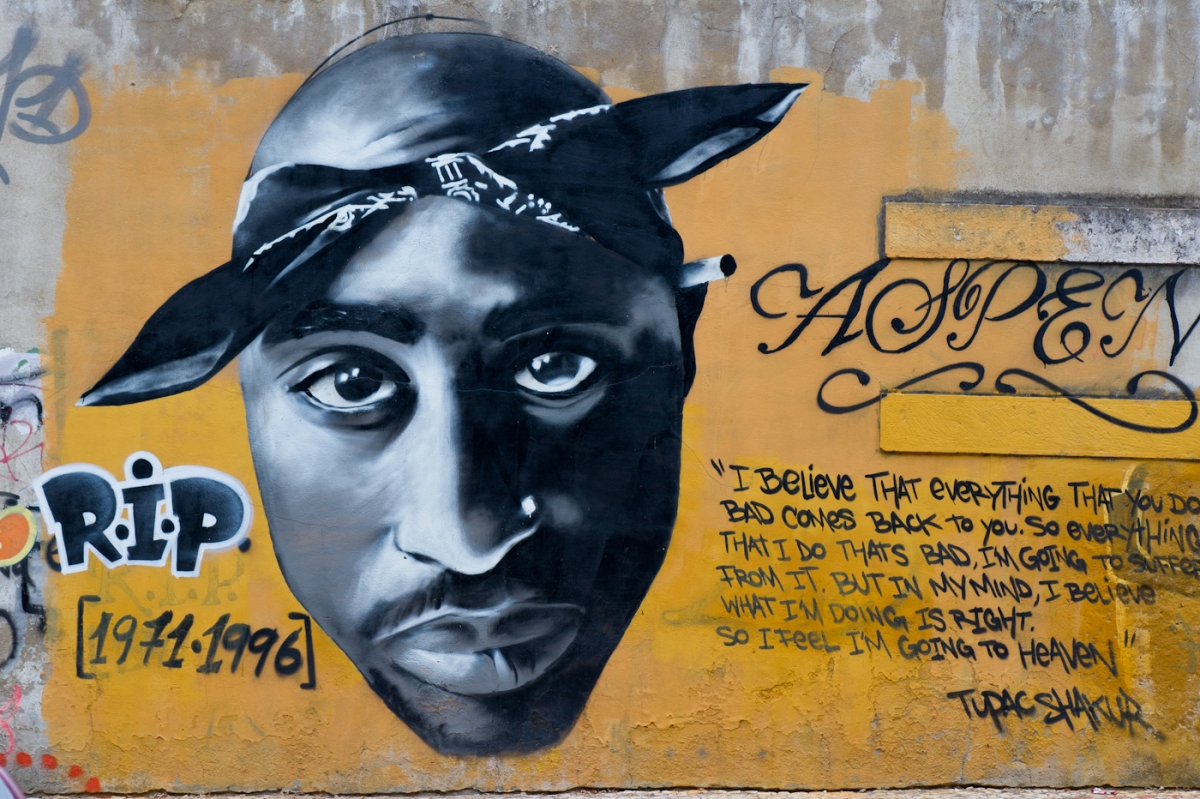 2Pac graffiti