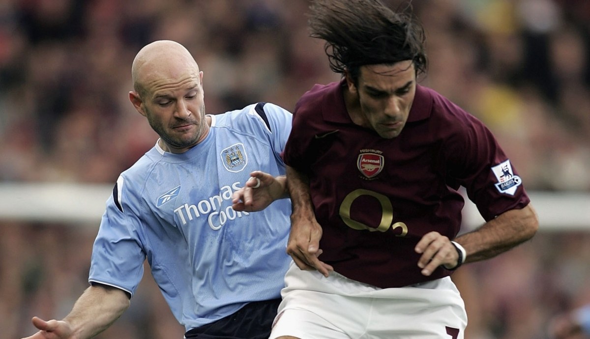 Danny Mills and Robert Pires