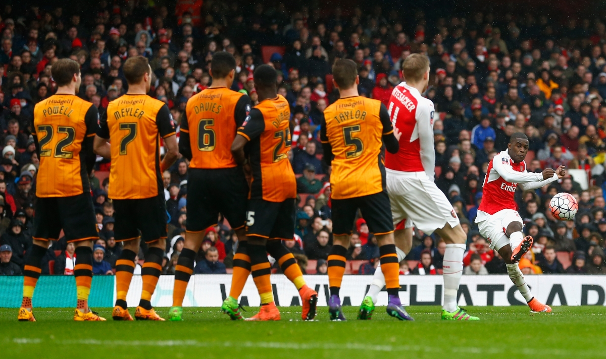 Joel Campbell hits the post