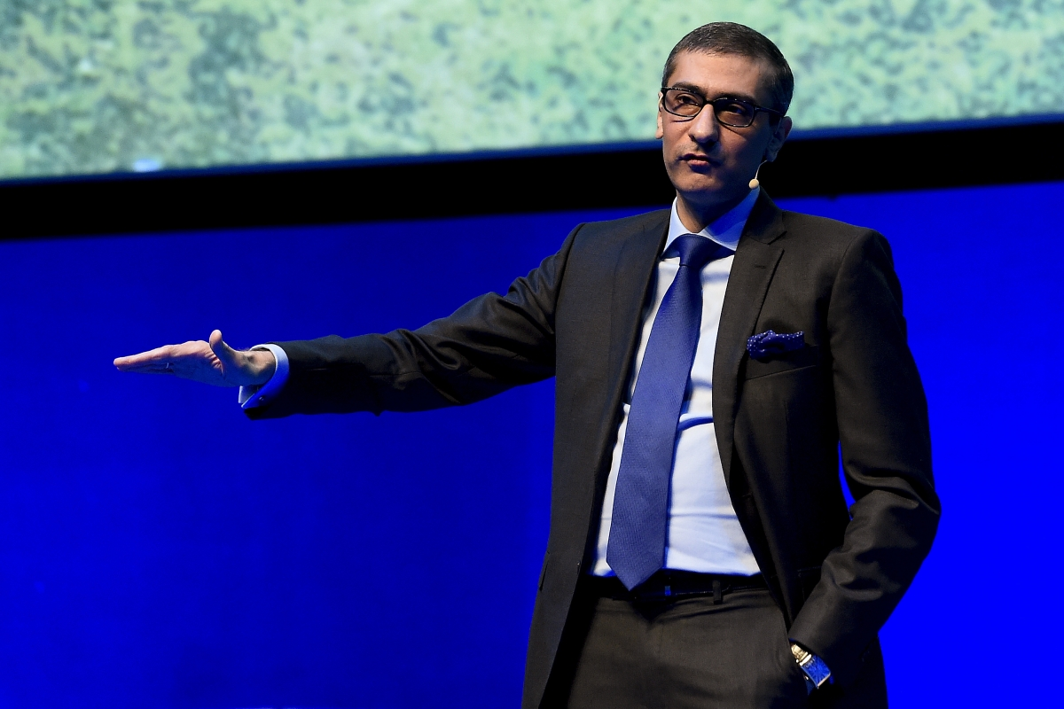 Nokia to sell smartphone