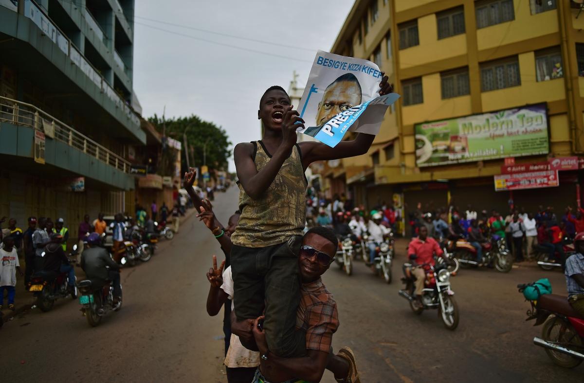 Supporters of Kizza Besigye