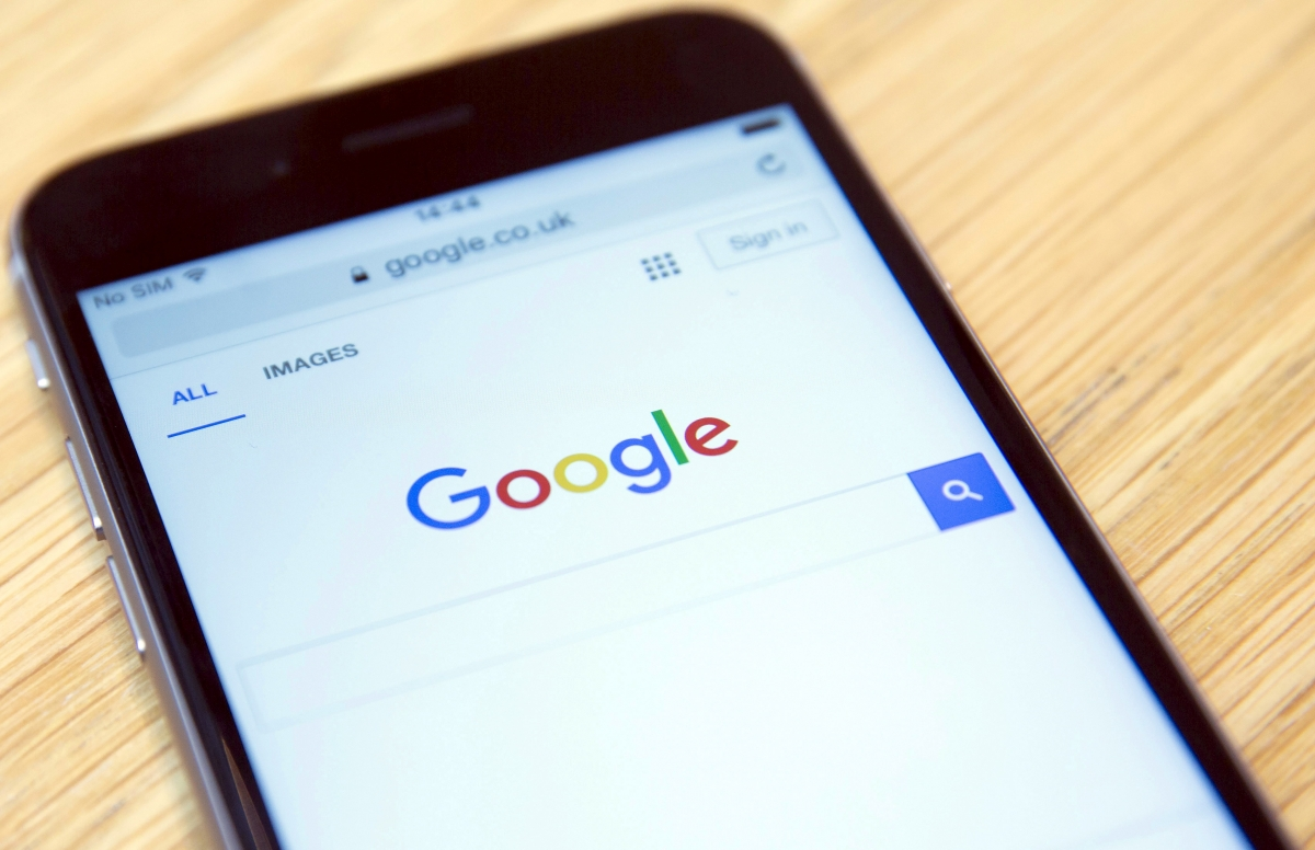 Google partners with major phone carriers to push back into the messaging platform