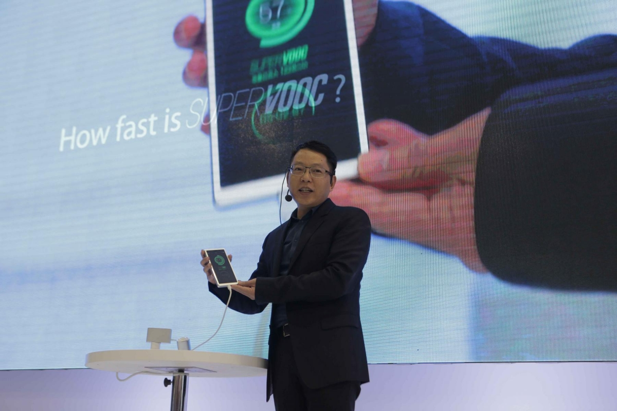Oppo Fast Charger Announcement at MWC16