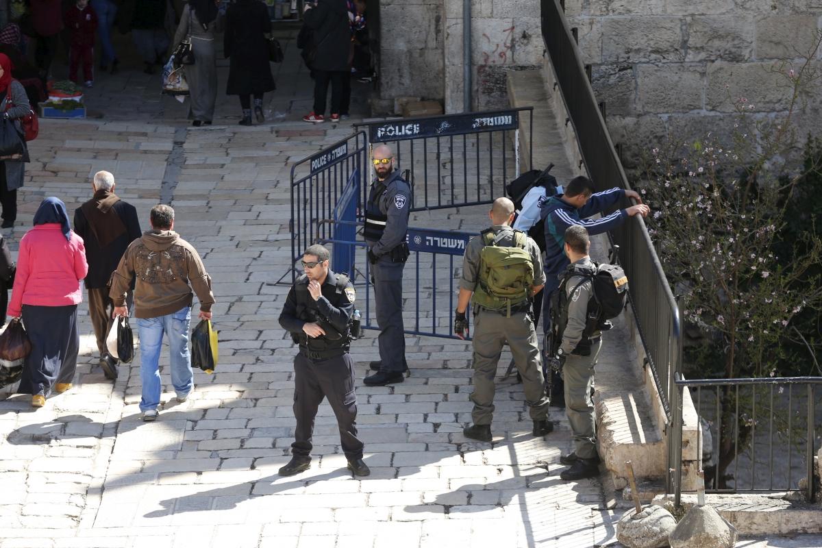 israel palestine jerusalem body search 2016