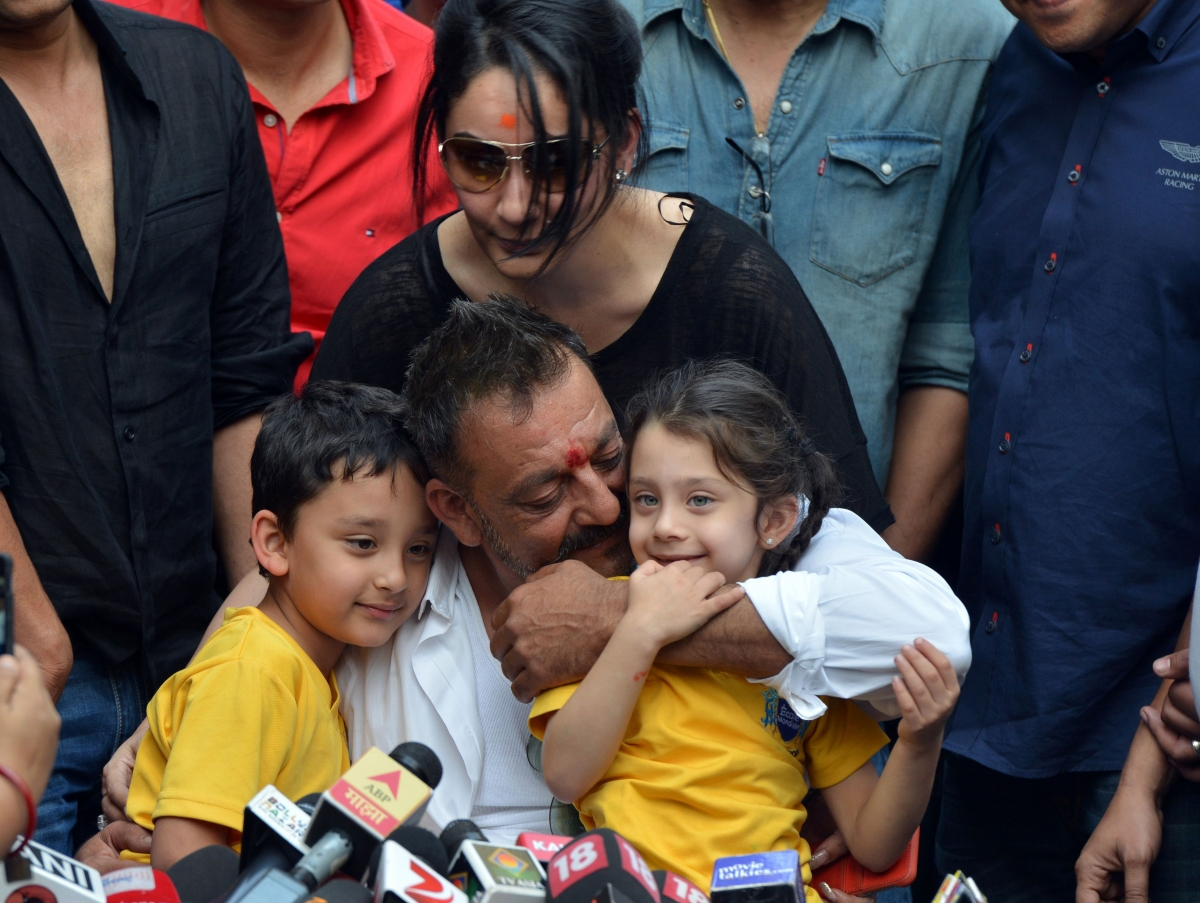 Sanjay Dutt and his family