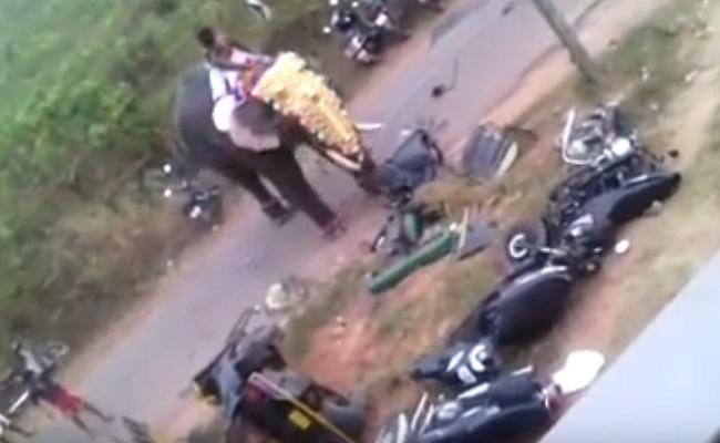 Elephant goes on rampage at theThalappoli Festival