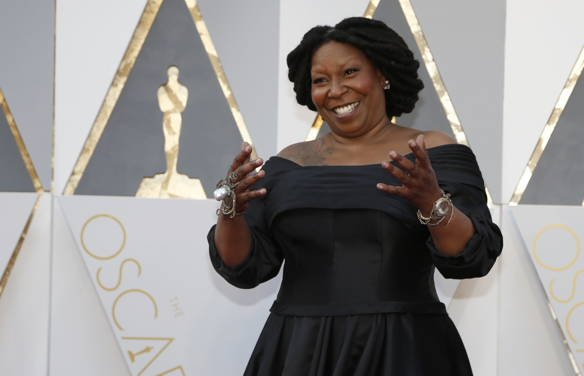 Oscars 2016 Whoopi Goldberg Mistaken For Oprah By Beauty