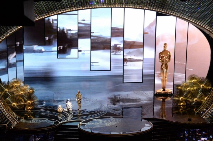 R2-D2, BB-8 and C-3P0 cute Oscars cameo