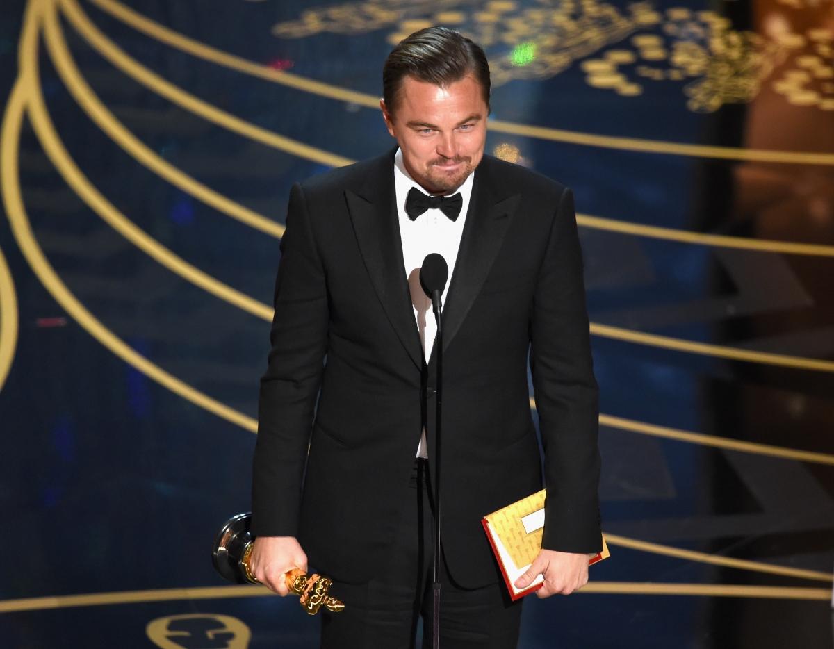 Leonardo DiCaprio wins Oscars 2016