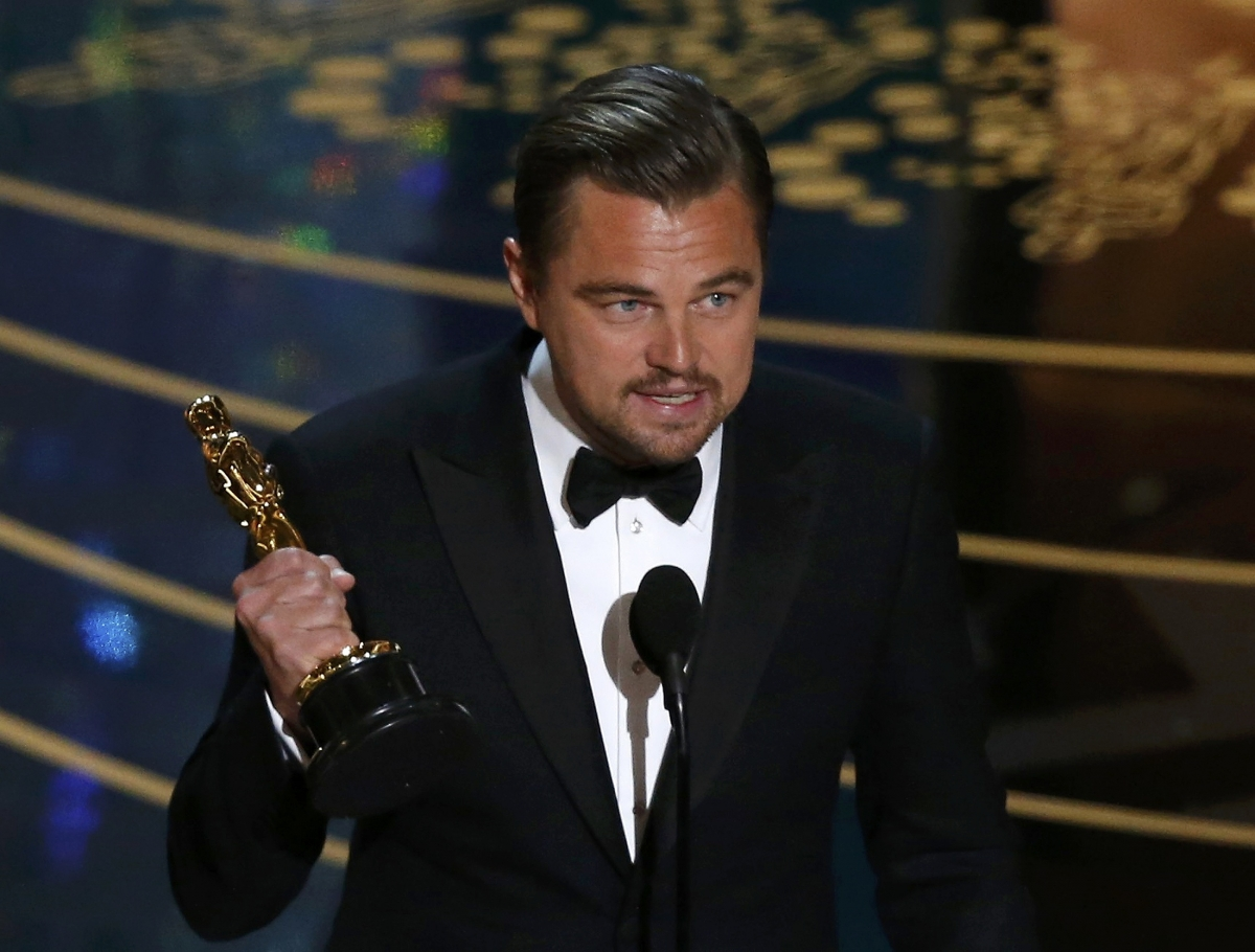 Leonardo DiCaprio with his Oscar