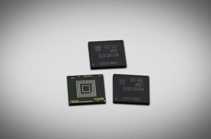 Samsung UFS 256GB storage chip