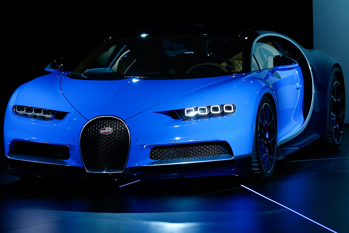 bugatti chiron world 39 s most powerful super sports car unveiled at geneva motor show 2016. Black Bedroom Furniture Sets. Home Design Ideas
