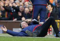 Van Gaal on the ground