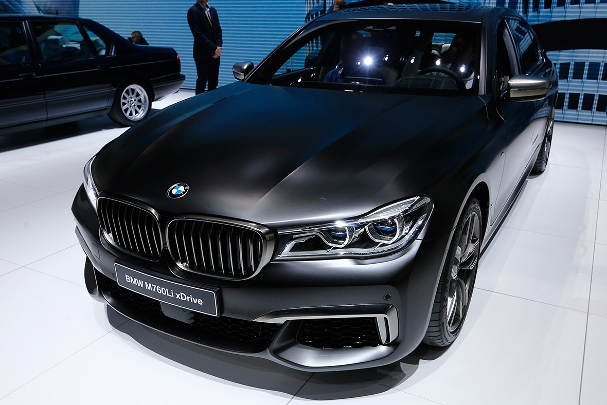 Geneva Motor Show 2016 BMW M760Li xDrive