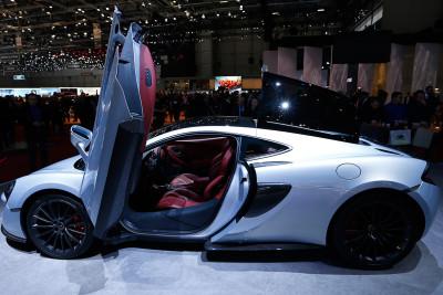 Geneva Motor Show 2016 McLaren 570GT