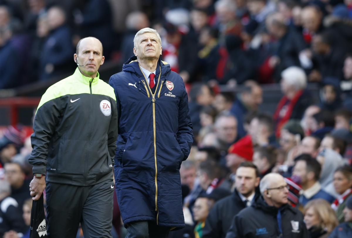 Arsene Wenger dejected