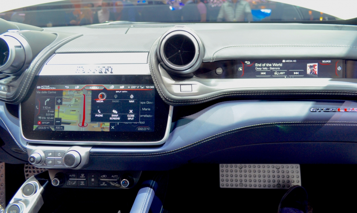 Ferrari Gtc4lusso Co Driver Second Screen Hands On With The Latest In Passenger Entertainment