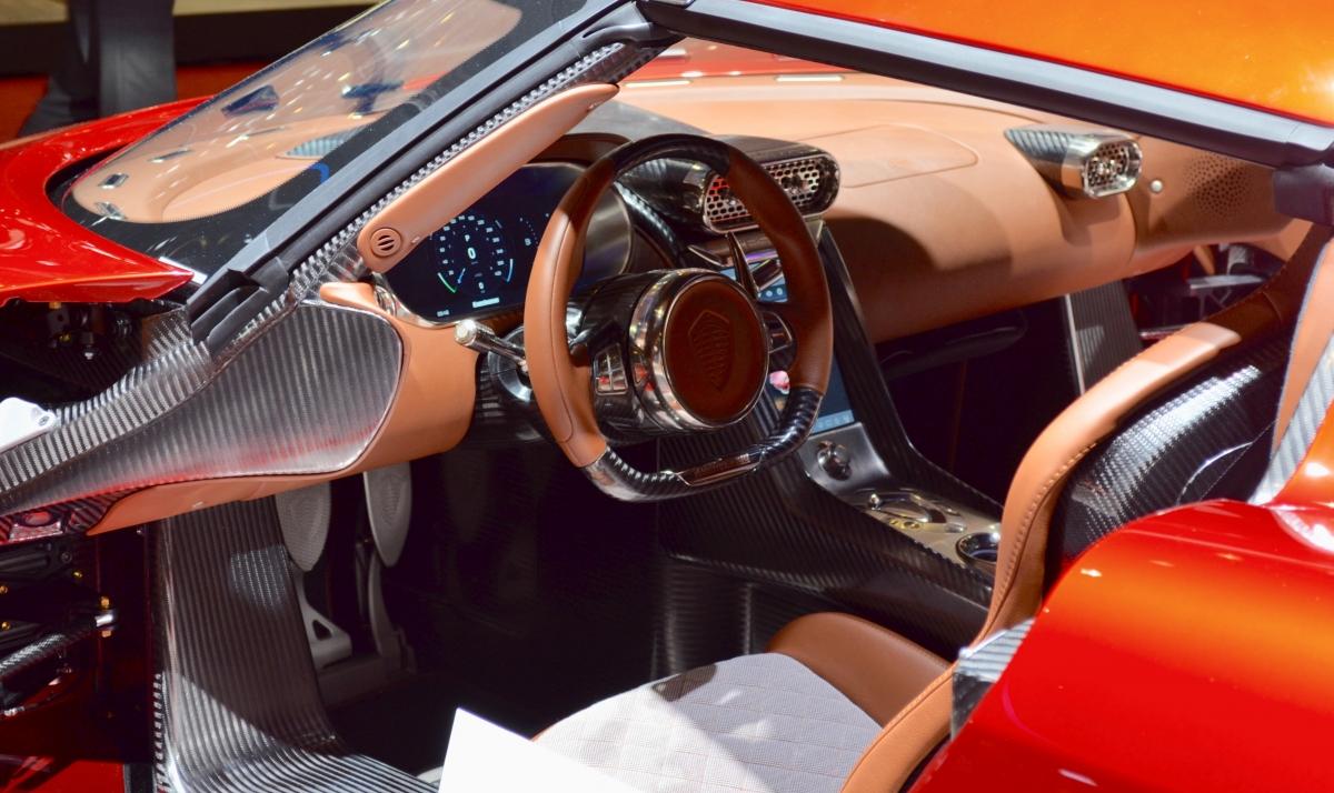 Koenigsegg Regera interior,
