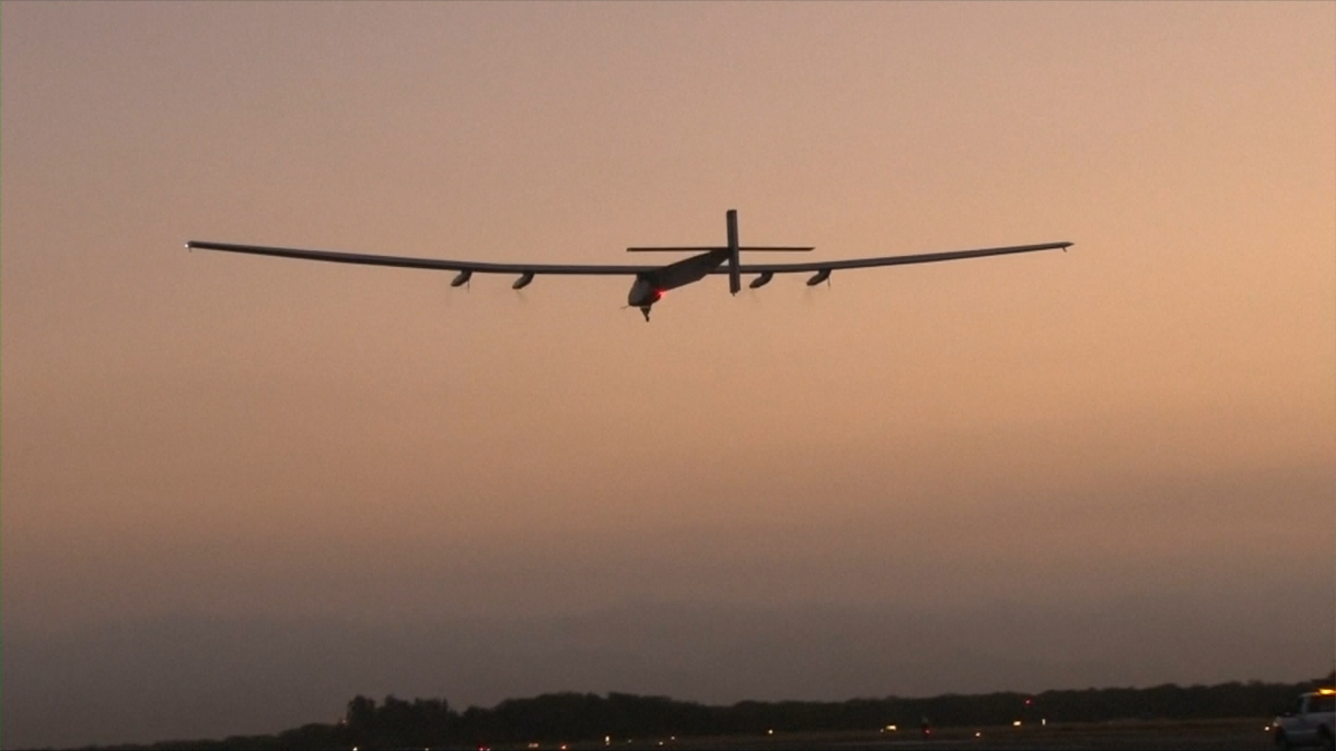 Solar Impulse 2 undertakes test flight over Hawaii