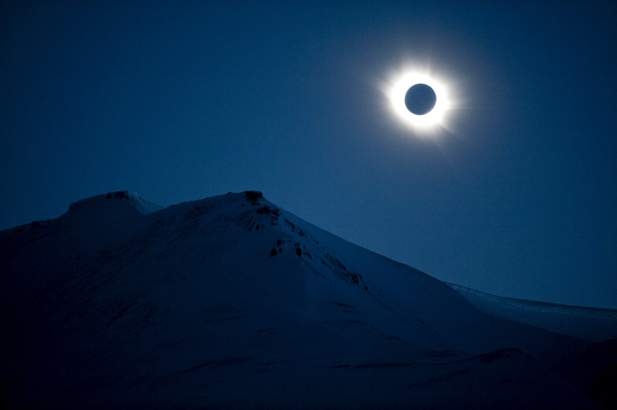 Solar eclipse and asteroid fly-by: Nasa rubbishes doomsday ...