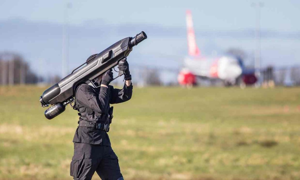 shoot down drones with Skywall 100 This Smart Anti Drone Bazooka   Can Bring Down Uavs 100m Away 1547662 on US Air Force Buying   Releasing Bullets Trap Drones as well Beyonc un retouched photo leak let s not additionally 100115 Eclipse Ring Fire Annular Pictures likewise Watch likewise Army Races To Rebuild Short Range Air Defense New Lasers Vehicles Units.
