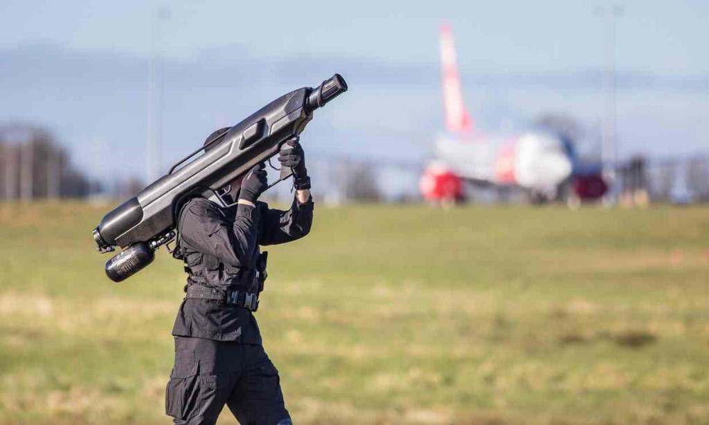 SkyWall 100 anti-drone bazooka