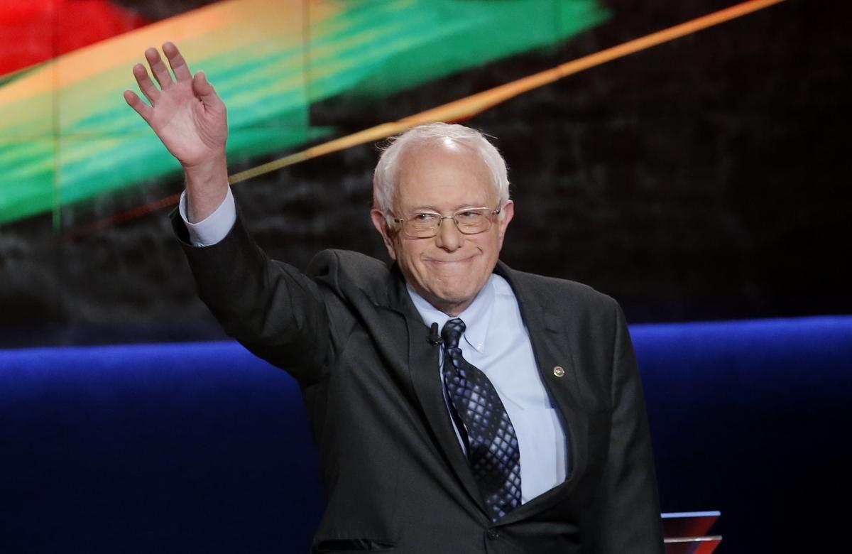 US election 2016: Bernie Sanders gains on Hillary Clinton ...