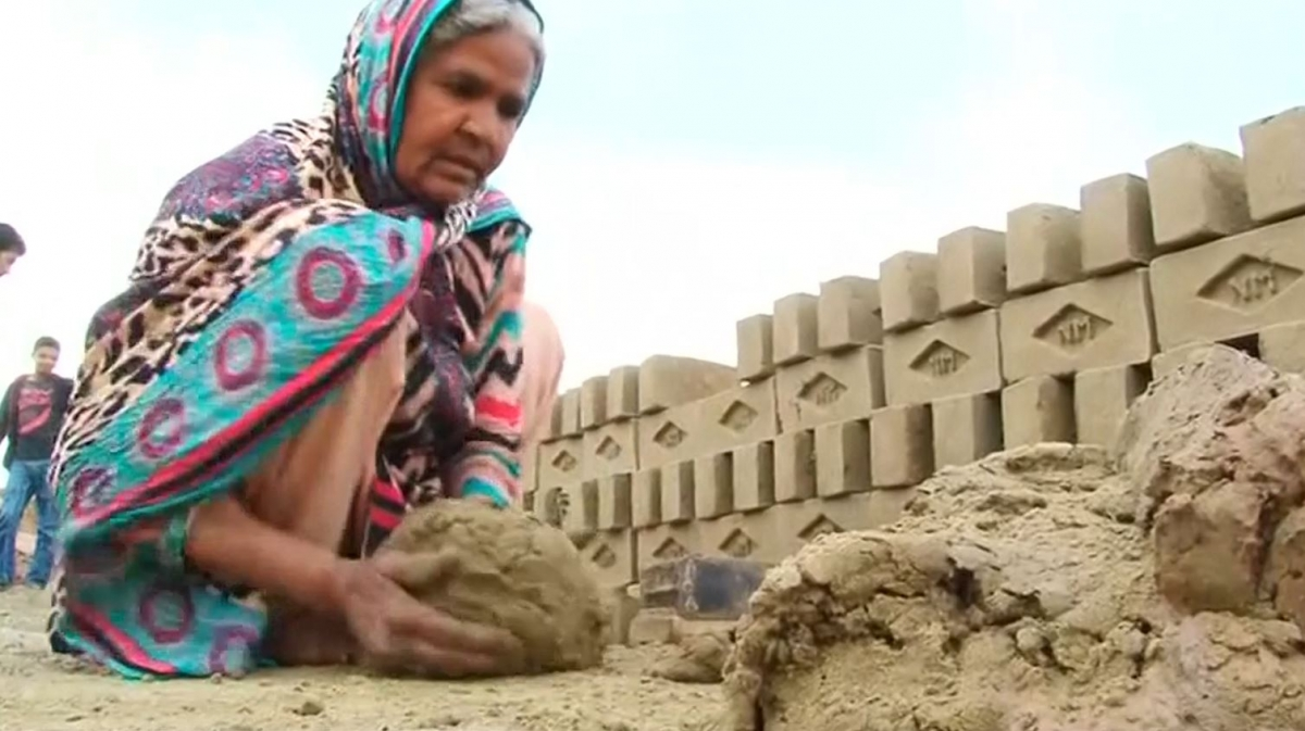 60-year-old Pakistani labourer