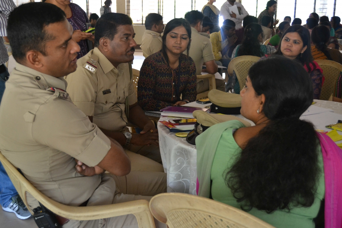 Karnataka Police and Bangalore women