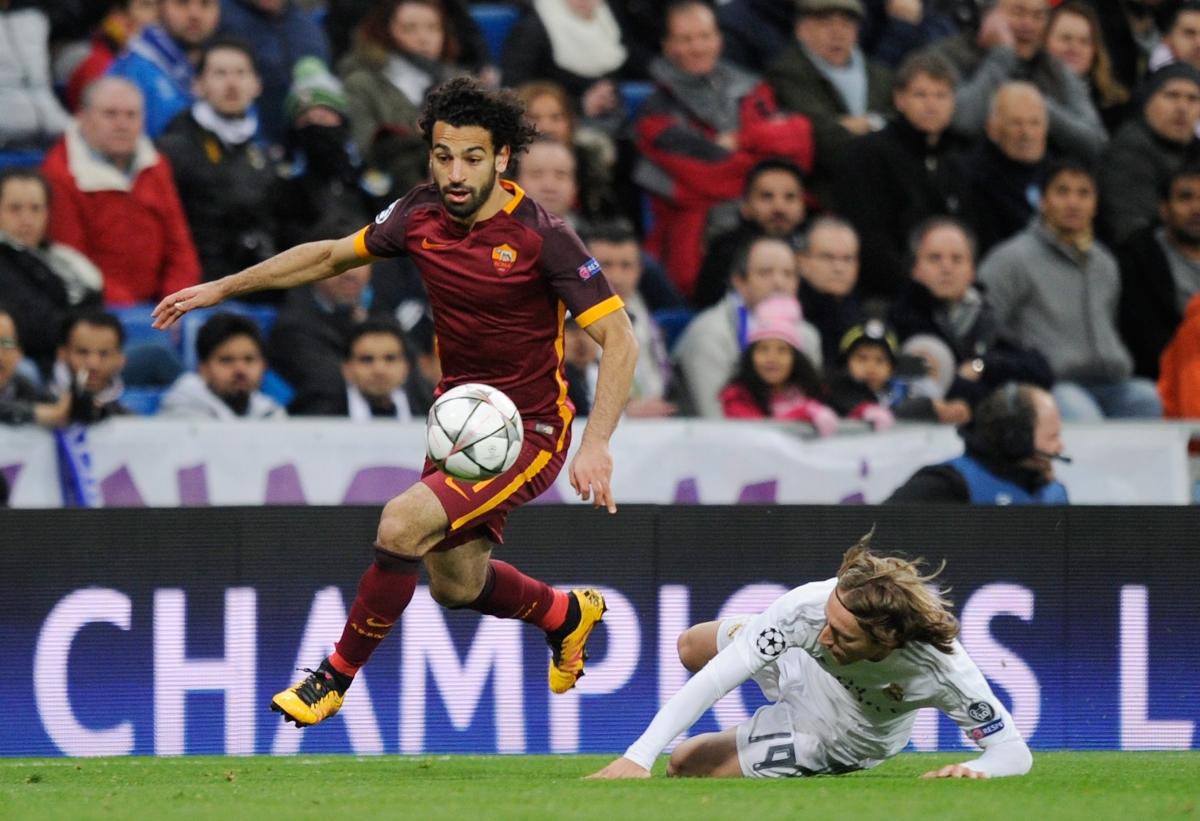 Mo Salah goes on a dribble
