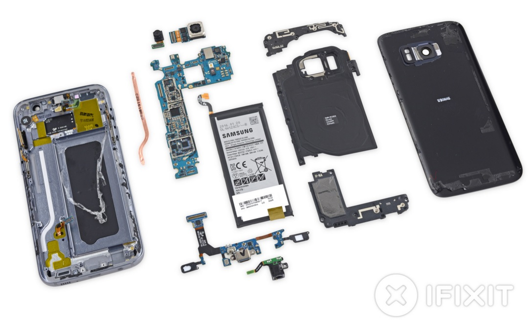 Samsung Galaxy S7 disassembled