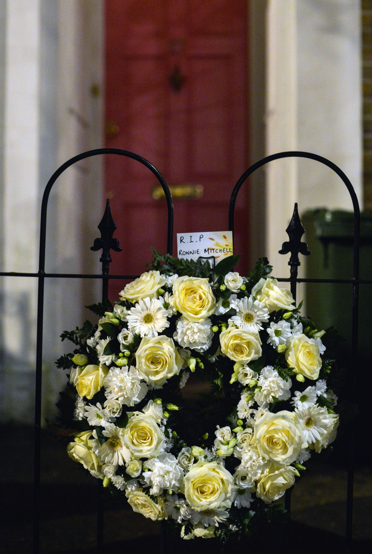 eastenders wreath