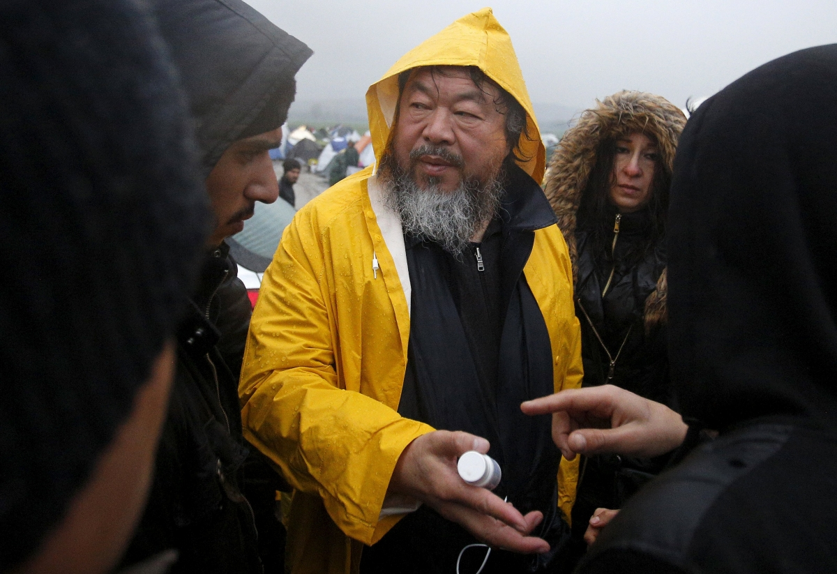 Artist Ai Weiwei to release refugee crisis documentary in 2017