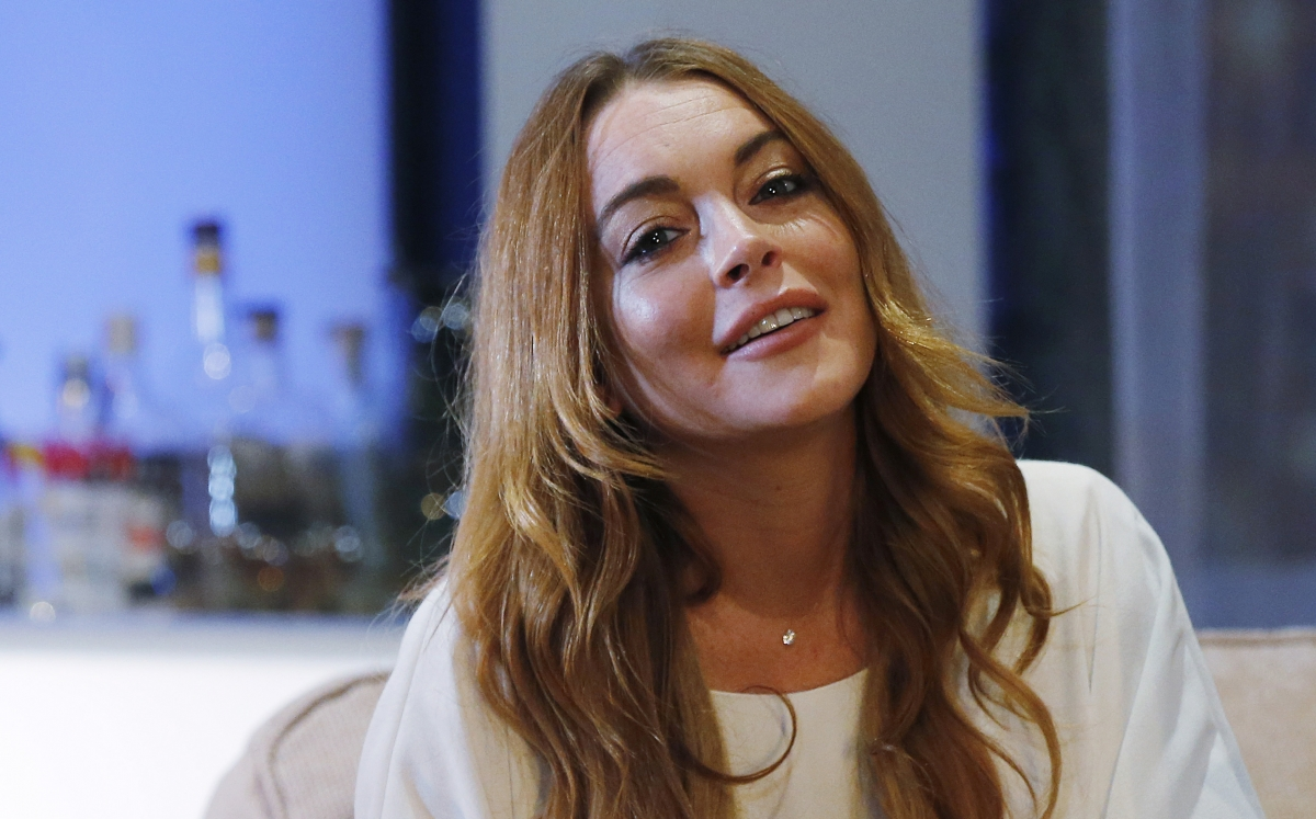 Lindsay Lohan and Egor Tarabasov: Mean Girls star pictured kissing ... Lindsay Lohan