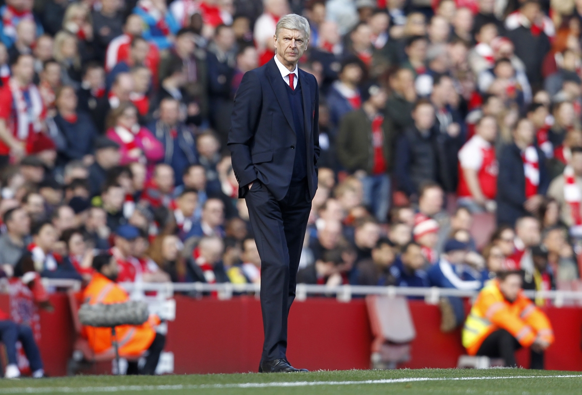 Arsene Wenger on the touchline